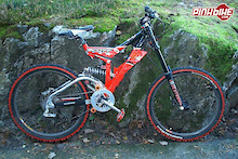scott high octane in race form! 240mm travel rear and 200mm front. mono m4 and m4 sram x-7 triggers and x-9 mech