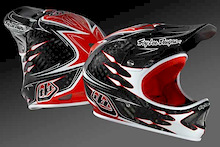 Troy Lee introduces D2 Carbon Shaun Palmer Replica