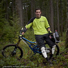 Rocky Mountain Bicycles Signs Thomas Vanderham