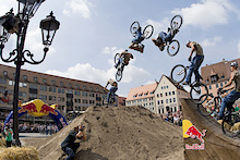 Five wild cards for Red Bull District Ride 2011