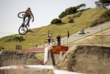 Sea Otter Jump Jam & Whip Contest - Video