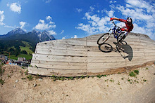 Leogang rings in the biking season 2011