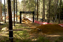 MONSTER ENERGY Dirt Jump Open2011 (Video Highlights)