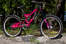 Sam Hill's Custom Pink Specialized Demo - Fort William