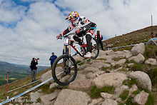 Aaron Gwin Bike Check - Fort William World Cup