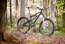 Ibis Mojo with Bos Deville. 1x9 setup with Weeze The End chainguide. Weight - 12 kg.