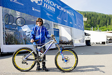 Emmeline Ragot Bike Check - Mondraker Summum
