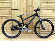 My 'budget built' play bike, only spent £360 on it. 29lbs even. 2007 Giant trance frame.