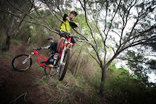 COMMENCAL Insiders - Remy and Nico in New Caledonia, Part 1