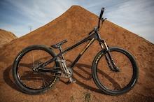 Bikecheck: Noah Brousseau's 2013 Rocky Mountain Flow DJ.