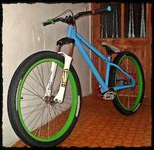 na kész lett az új bicóm :D sztem nagyon kásmiir lett :3