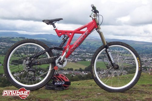 Coyote DH3, with a view of Kendal in the background.