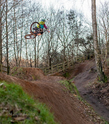 """Miss Joey Gough laying the table """"Like a BOSS"""" on the Woburn hip!"""