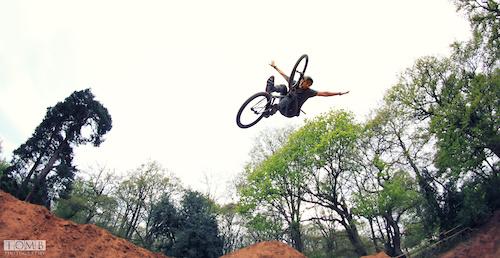 Matt Macduff with a big 3 Tuck on the pro line at S4P Bikepark