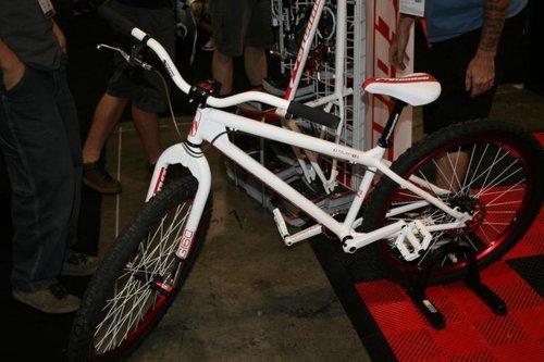 Atomlab complete bike