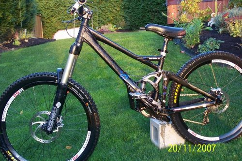 6bf604ea789 2007 giant reign x...with totems....can you ride dh on this bike ...