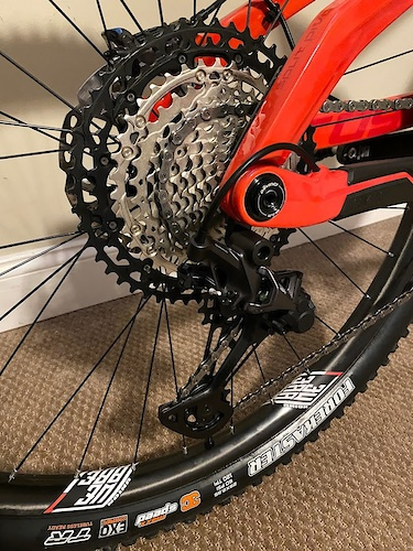 2019 Devinci Troy 29 - Red Shimano XT M8100 12 Speed