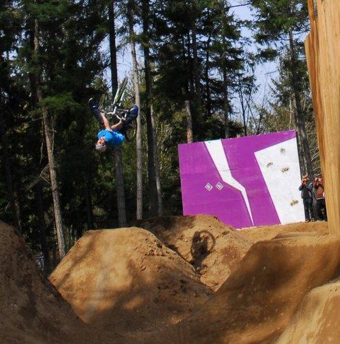 Dustin Greenall - Flip One Foot Xup