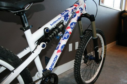 The Bottlerocket featured here does not have the new bearings or the new front shock mount.