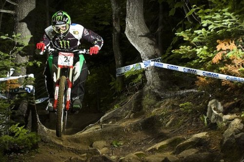 Sam Hill riding the tenth-anniversary colors in 2007, ten years after the prototypes were first raced. Photo credit: ridetolive666