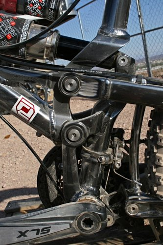 Mongoose FreeDrive suspension features a high pivot and floating BB unit