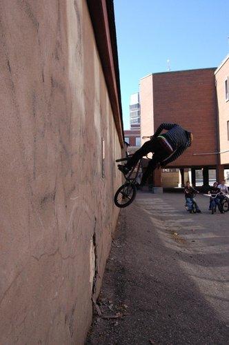 Brad doing a wall ride