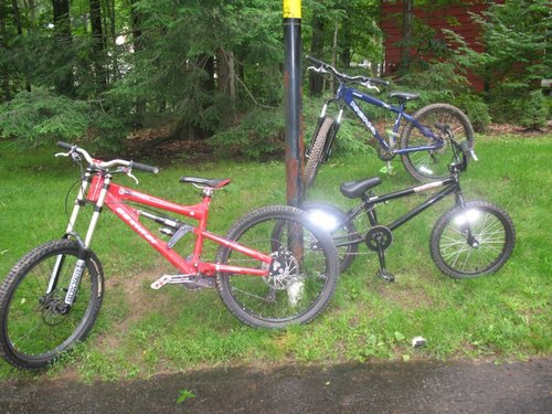 my bikes still want the wilson the outhers are for trade and yes the blue one(kona hoss)is standing by itself
