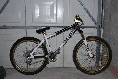 updated pic of my jump bike, in 4X mode