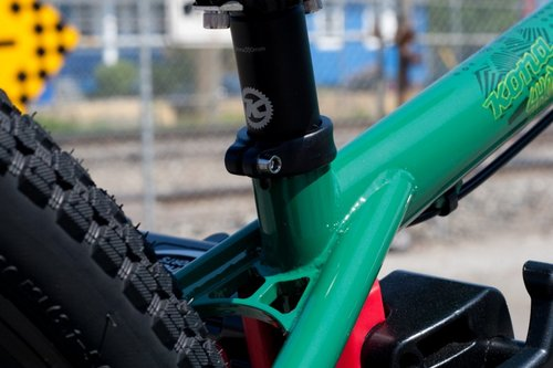 Top tube and seat tube junction