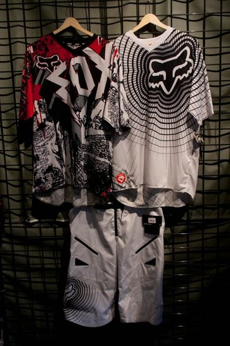 Black and Red on left, White and Black on right