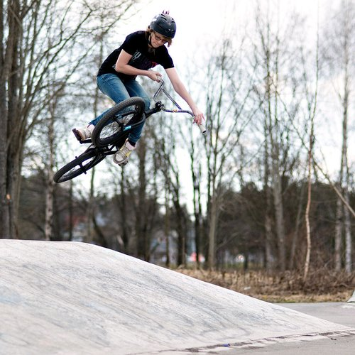 Here is proof that I was riding today..! I tried table but it didnt go very well. Thanks to Ilari Huovila this picture, I like it much. :)