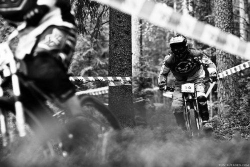 Picture from last years race. Photo: tonirutanen.com  Pic has nice 3D feeling... (=