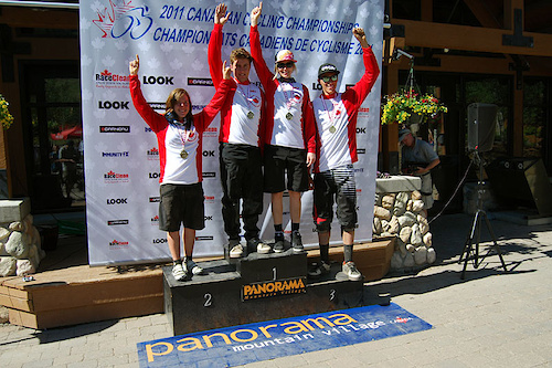 Canadian Champions Lauren Rosser Andrew Mitchell Claire Buchar and Kyle Sangers.