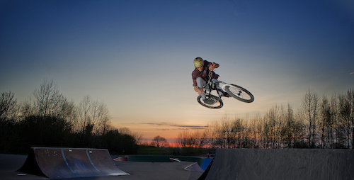 Evening session at Peghill tonight with ed, being steezy over a the box hip.