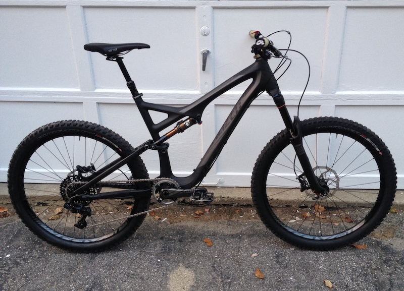 2014 Specialized Stumpjumper Expert Carbon Evo ENVE DH bar Renthal Duo stem Renthal Kevlar grips WTB Silverado saddle Raceface crank boots tubeless Specialized Bennie Pedals 26lbs 4oz