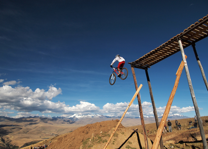 Peruvian competitor for the Semana de los Andes festival DH race. On a hard tail