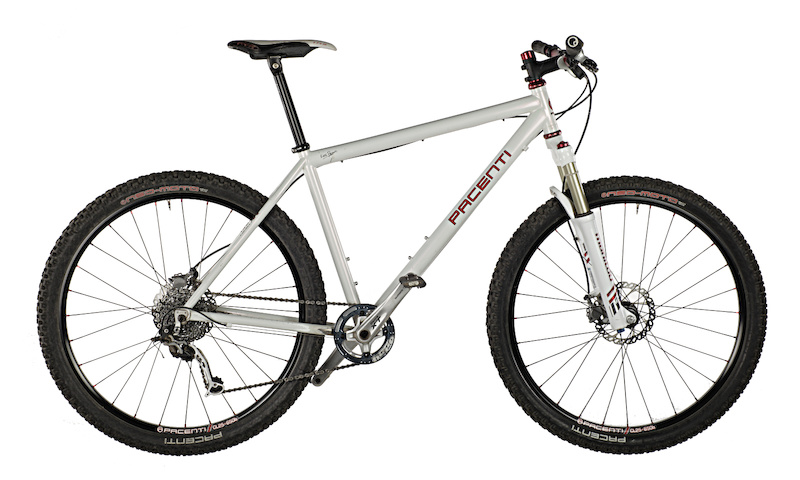 Pacenti Prototype 650B hardtail with pacenti wheels and tires and Maniitou 650B fork