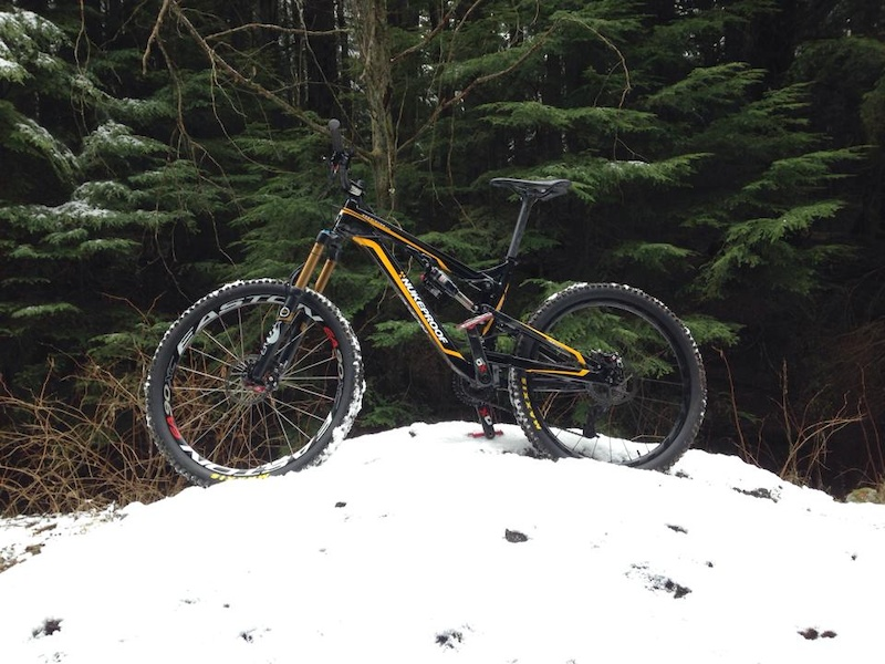 Snow on fromme today starting at about 3km mark
