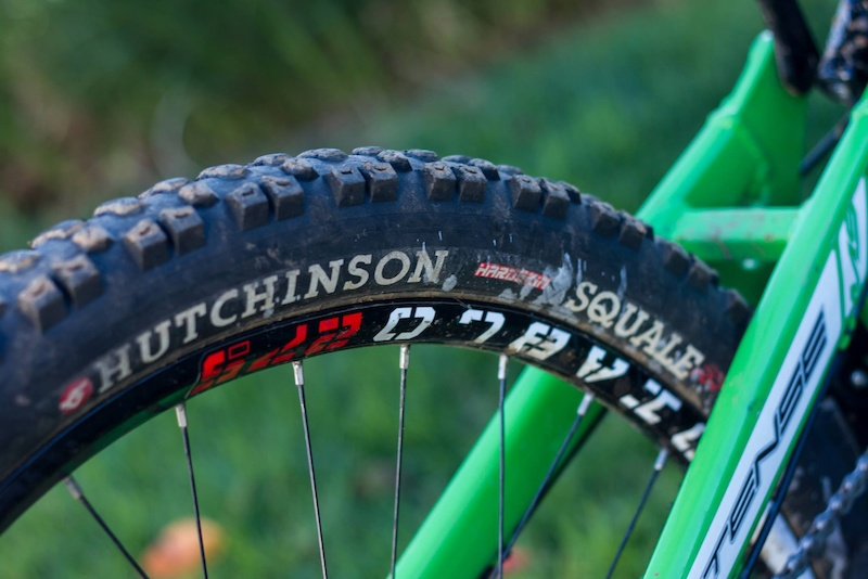 Hutchinson Squale 27.5 x 2.5 Tire 2014
