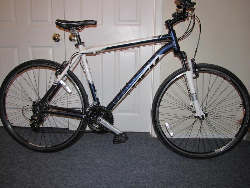 d40d0a3a415 2012 TREK 8.2DS (Dual Sport) Hybrid Bike For Sale