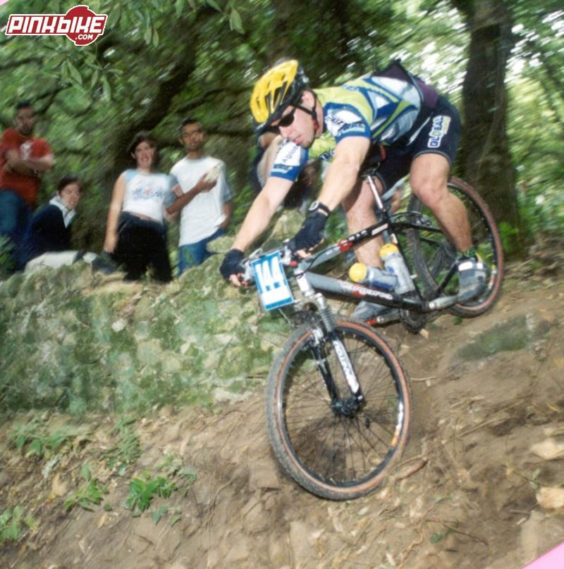 Droping in XC race in Colares/Sintra/Portugal. --www.lisboabike.com--