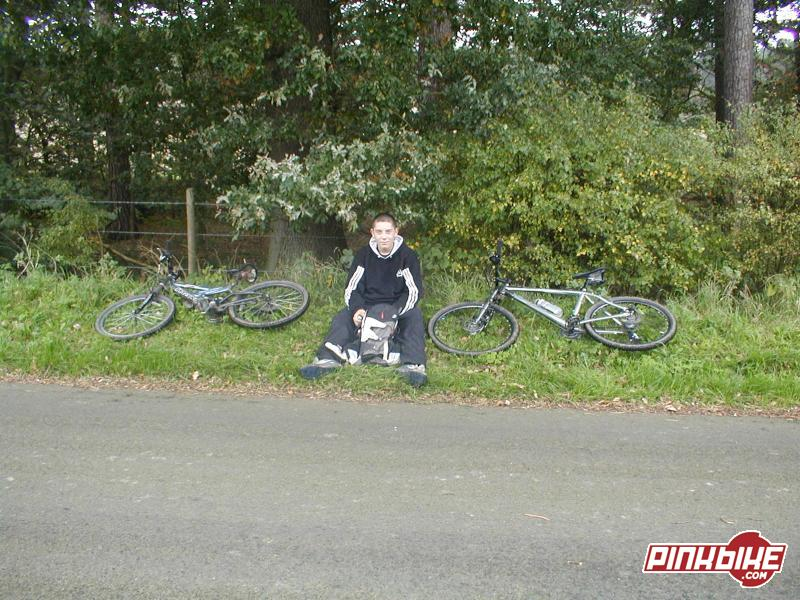 alex with our gear... (my bike on the right)