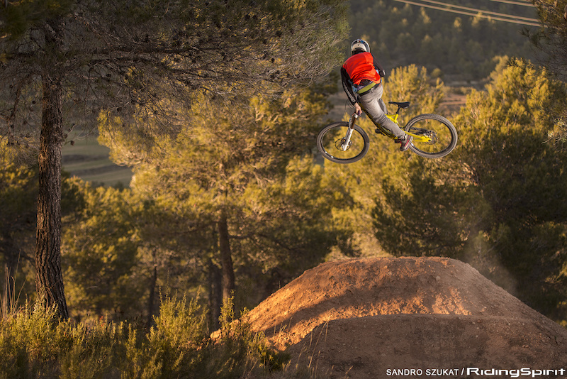 Shooting for the film ALL or Nothing from Dirtyflows. Adrian going sideways as always. Photo Sandro Szukat Ridingspirit