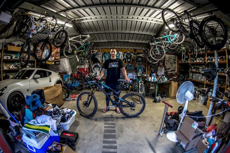 Man Cave Show Australia : Video australian adventure with mcgarry craig and graves