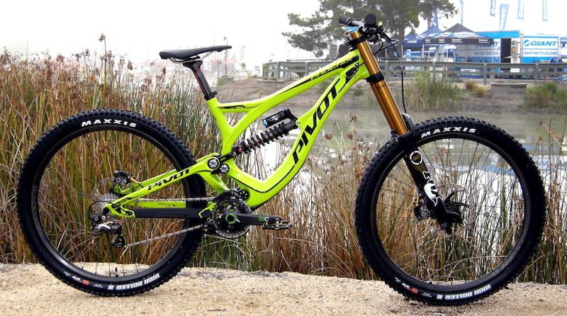 Pivot Carbon Phoenix - 33.8 Pound DH Race Bike - Sea Otter 2014 ...
