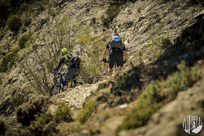 The flow ends on steep switchbacks where we have to stay focused although farther there are sections where we ll be able to release our brakes and feel the adrenaline flow. In some parts it s so open that unconsciously we get closer than you sould to the edge.