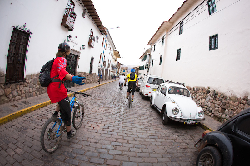 The narrow streets of Cusco made for some fun ripping as the descent came to an end. 12