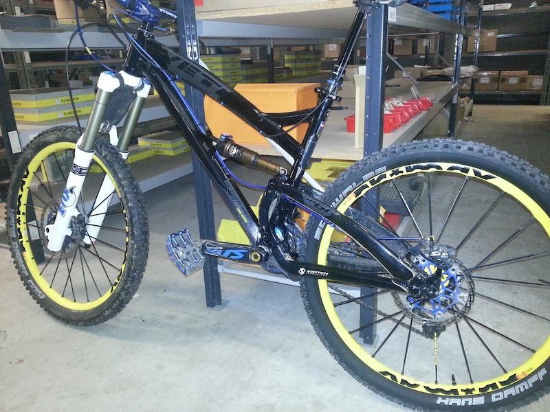 the SB66 with its new Mavic Enduro wheels and MOJO custom tuned rear shock
