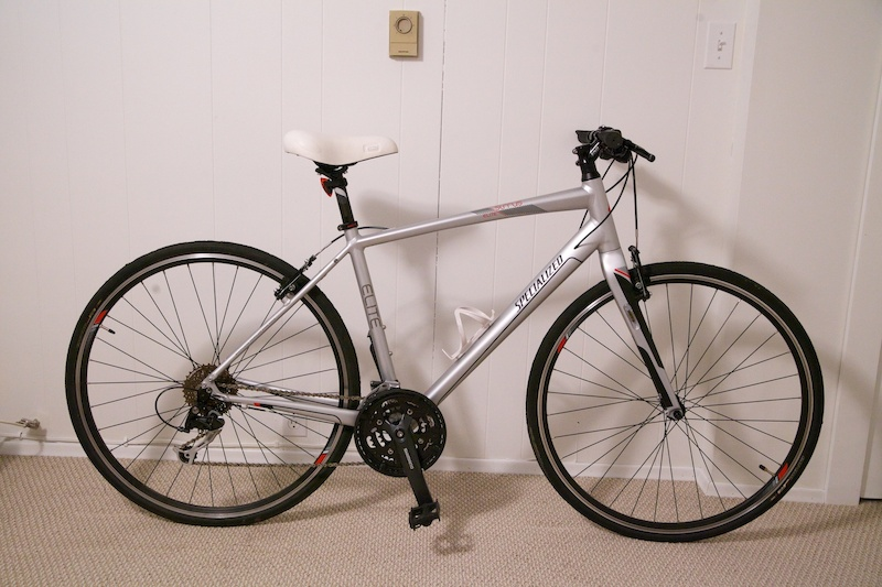 d1b59ebadc8 2013 Like new Specialized Sirrus Elite in Silver Hybrid Road Bike For ...