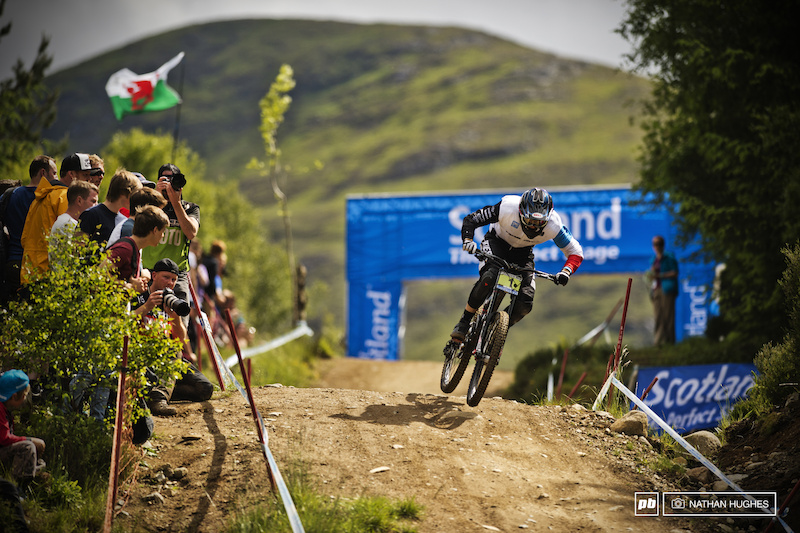Loris Vergier. 25th at split 1 first at split 2 but could still only claw back second place. Still at least he can be sure he ll never have to wear sunglasses with a full-face.